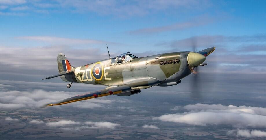 Supermarine Spitfire Mk. IX In the sky