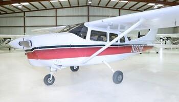 Cessna 210 Exterior