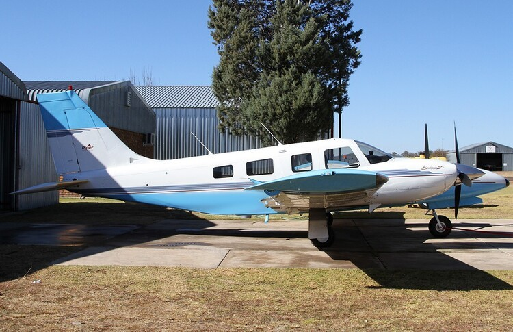 Piper Seneca IV Exterior