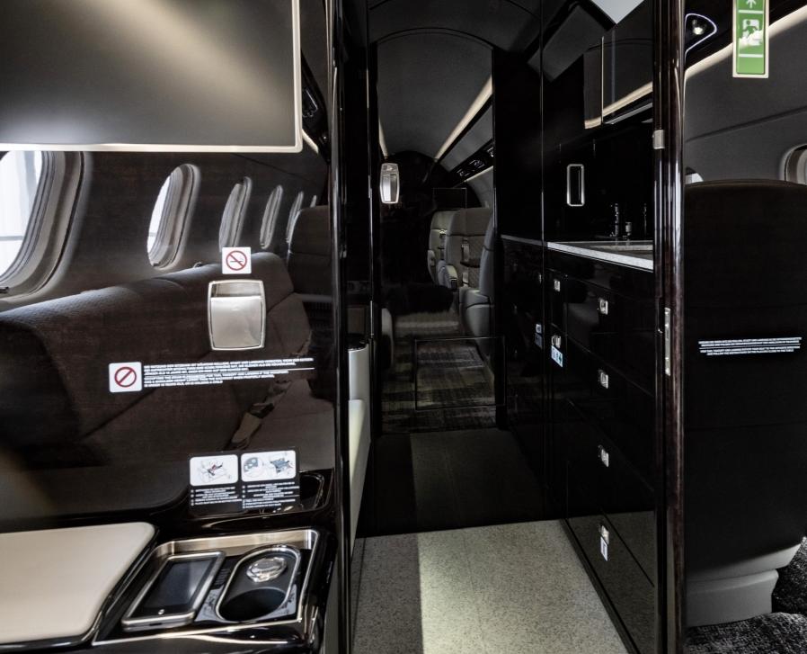 Embraer Legacy 500 refurbished lavatory area