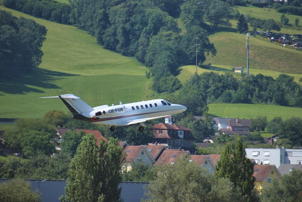 A Cessna Citation light jet takes off from an Alpen airport