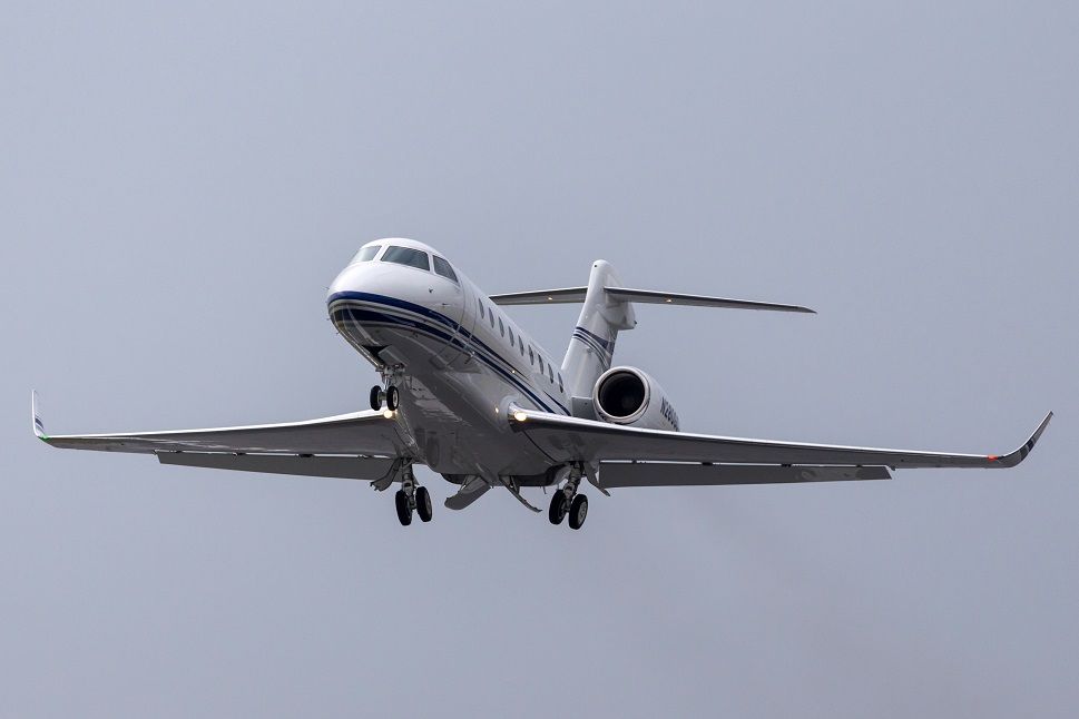 Gulfstream G280 super mid-size private jet takes off