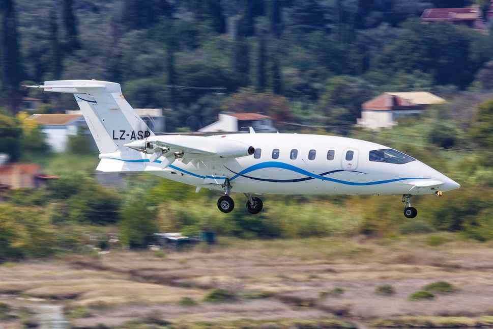 Piaggio P180 II twin-engine turboprop landing