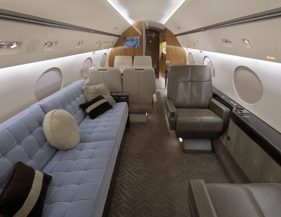 Gulfstream GIV mid-cabin section newly refurbished in 2007