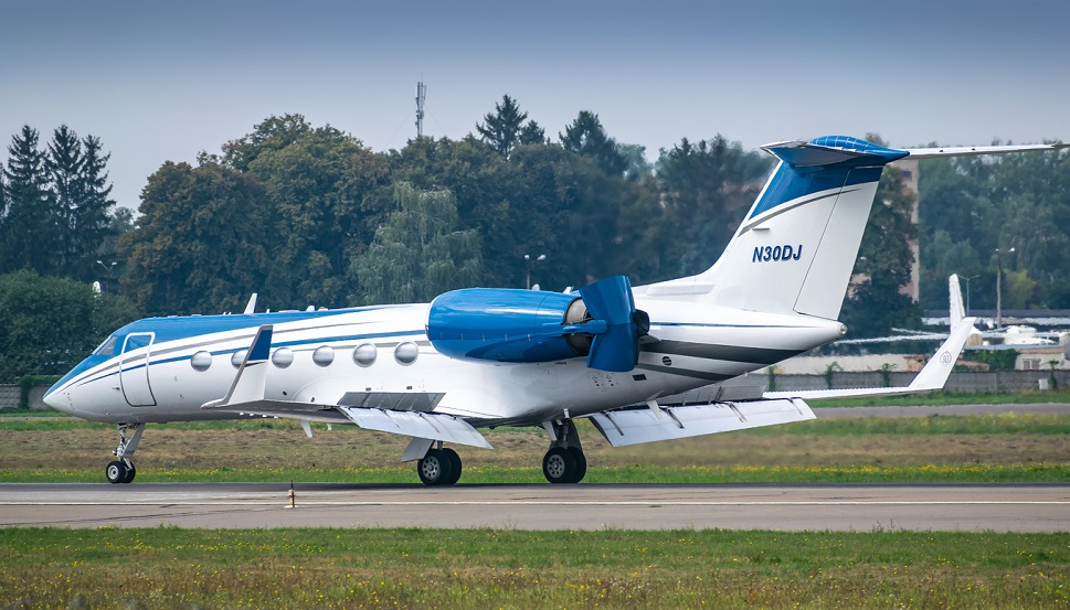 Gulfstream GIV-SP private jet landing at airport