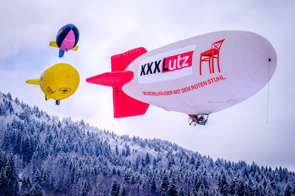 Airships carrying advertising messages
