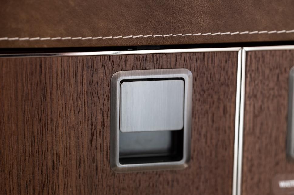 Altea - Detail Side Panel