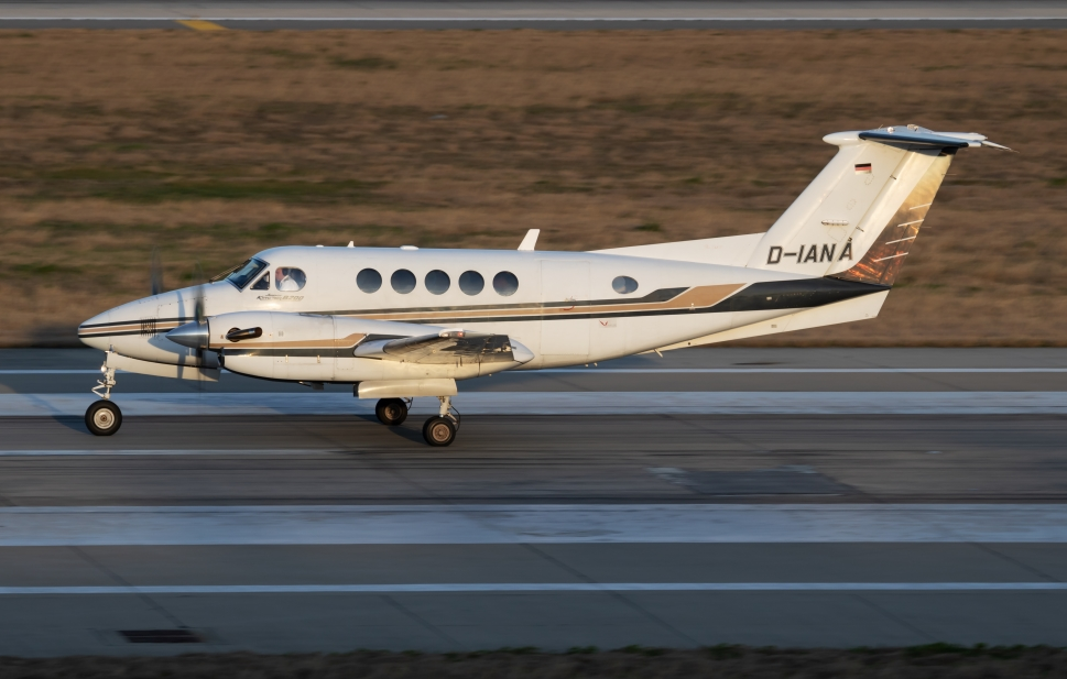 Beechcraft King Air on airport taxiway