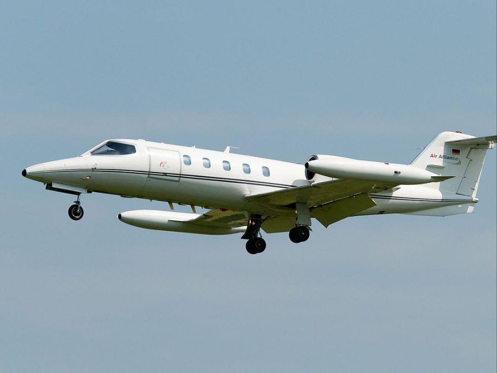 Bombardier Learjet 35 in-flight