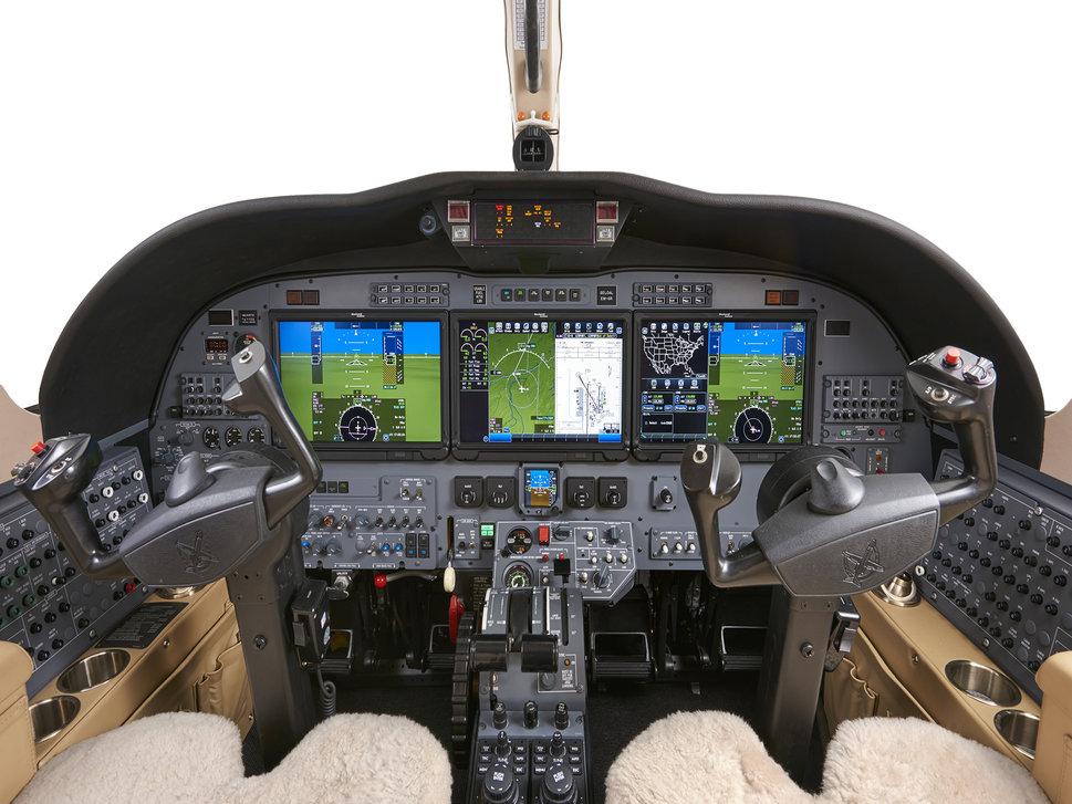 Duncan Aviation CJ3 Fusion Flight Deck