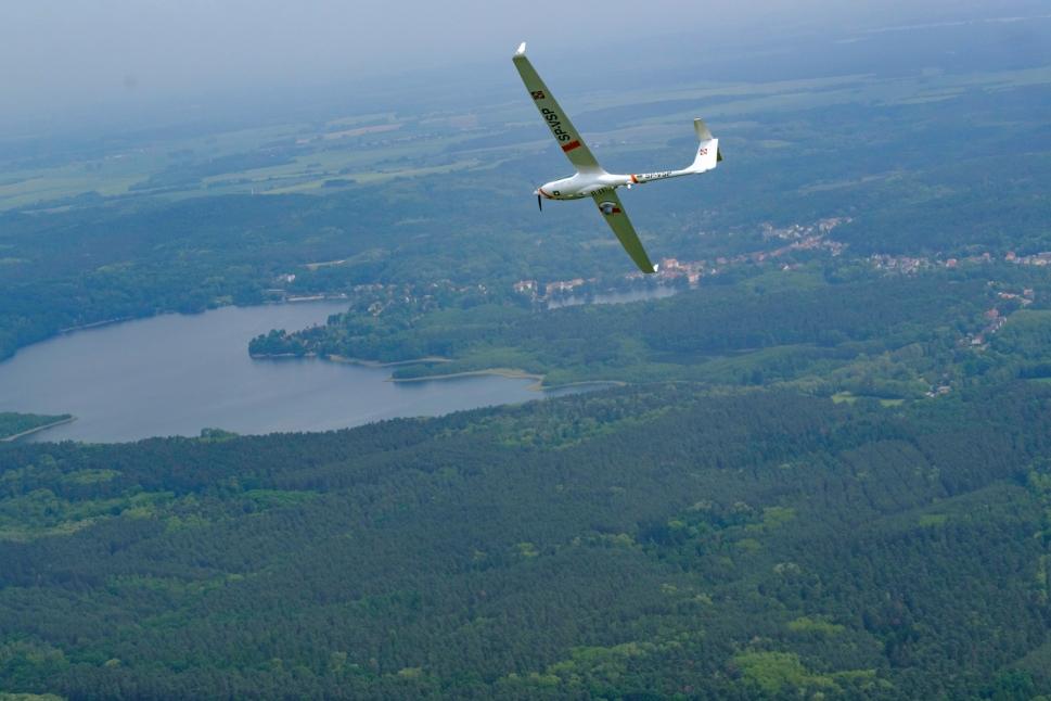 Ecarys ES15 surveillance aircraft flies into the distance
