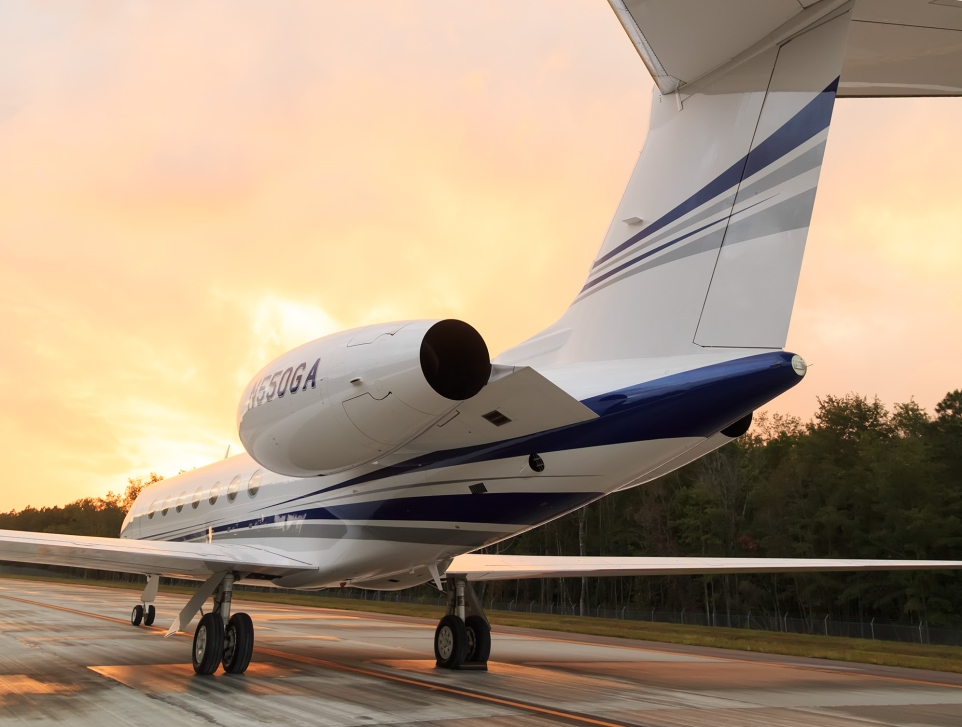 Gulfstream G550 Private Jet on Runway