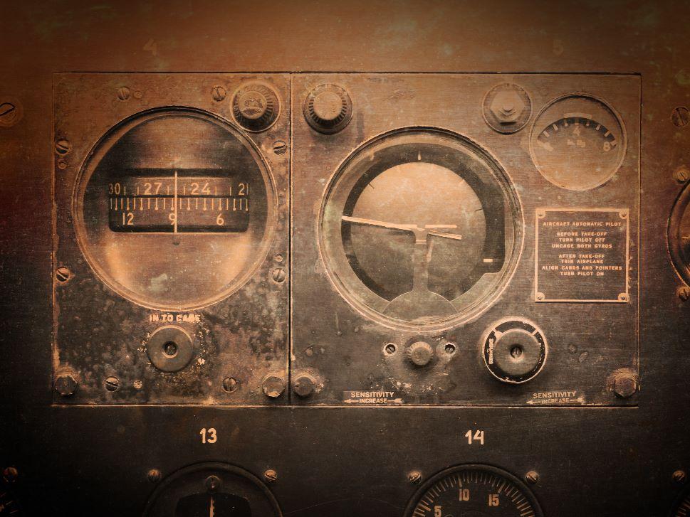 Historic Aircraft Dials and Guages
