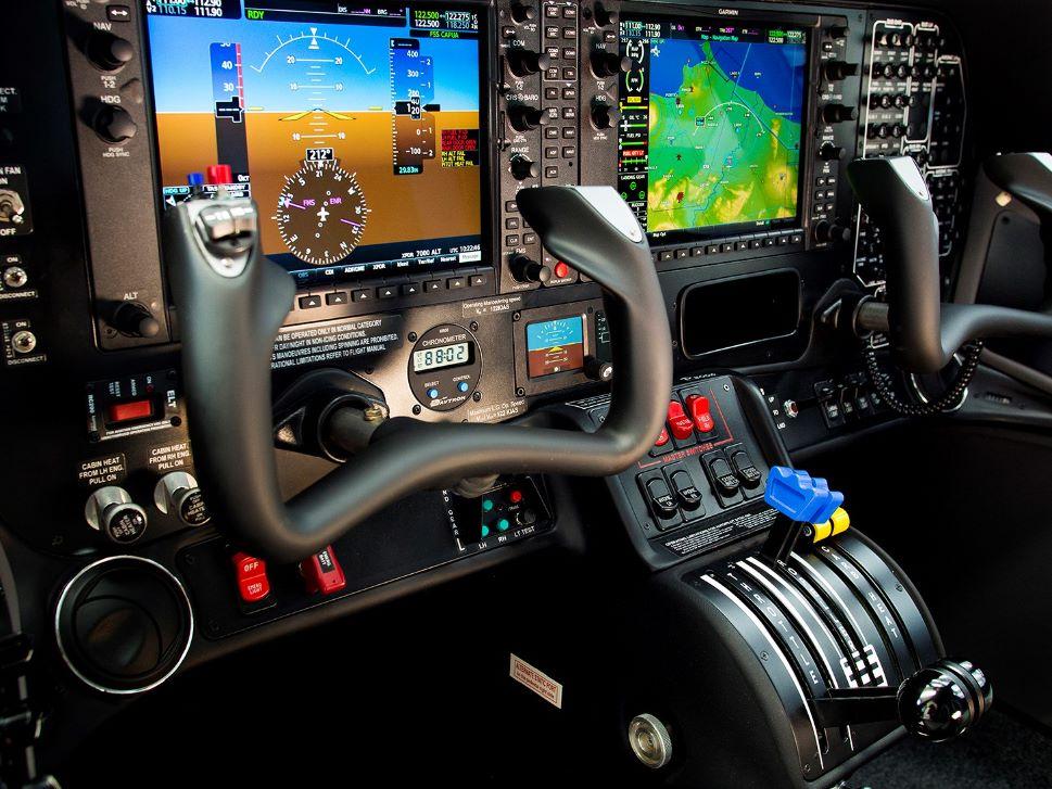 Tecnam P2006T SMP cockpit